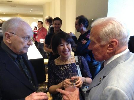 アポロ宇宙飛行士のバズ・オルドリンとアラン・ビーン。どちらも本を執筆しています。