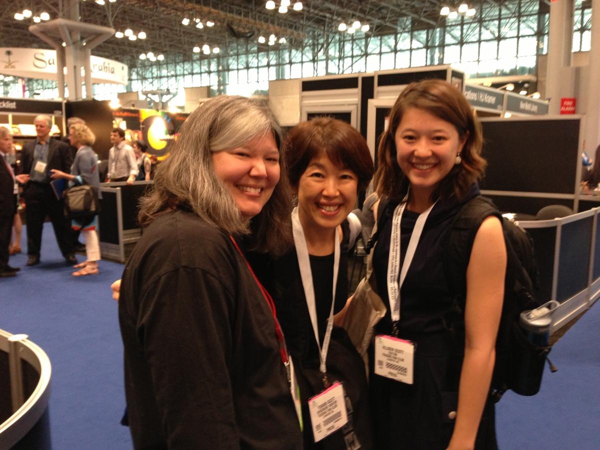 YAファンタジー作家 Juli Kagawa 2014(left)