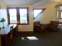 マサチューセッツ、レキシントン町の図書館。2階の静かなコーナー。